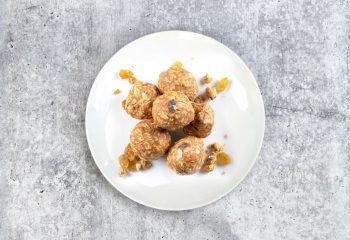 Relaxation Superfood Bites: Peanut Butter Cacao & Reishi